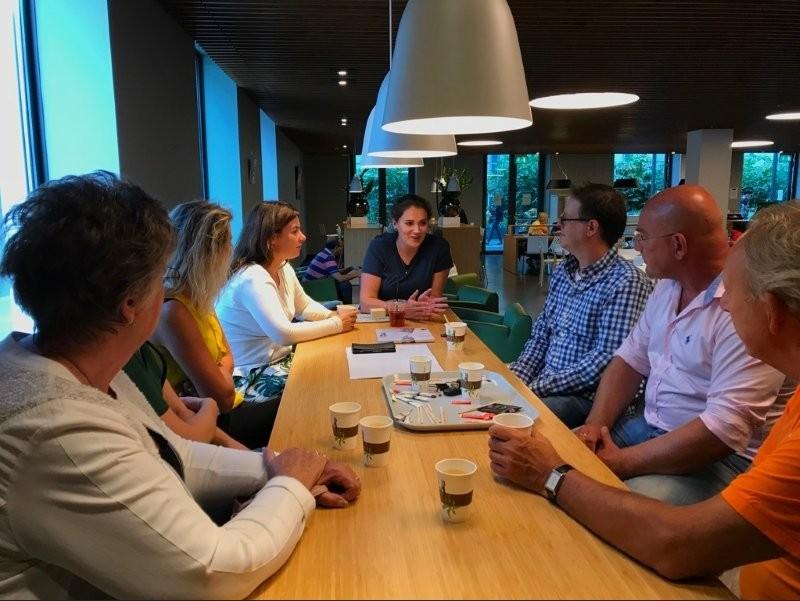 Ambassadeurs KiKa en Vrienden van het Sophia met Team Tundra en ondersteuners